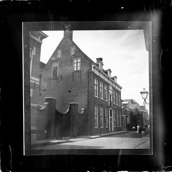 Het Van Deelenhuis aan de Langestraat in Nijkerk