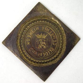 Stempel met het opschrift 'Gemeente Nijkerk Gelderland'