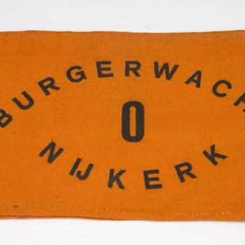 Oranje band met opschrift 'BURGERWACHT NIJKERK. O'