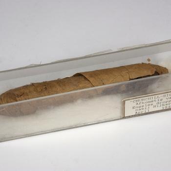 'Churchill-sigaar', afkomstig van Engelse dropping nabij Nijkerk, april 1945