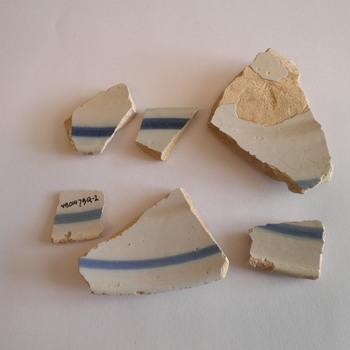 Bord, aardewerk,