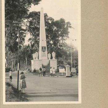 'De Naald, 7 December', monument in Nederlands-Indië