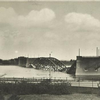 Waal, brug bij Nijmegen, Waalbrug, kapot