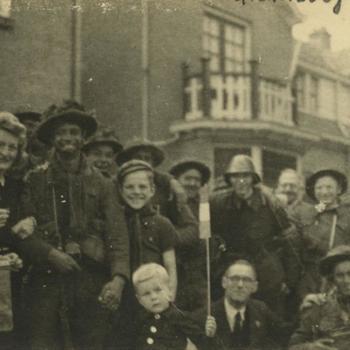 Nederlands Bevrijding; Burgers, militairen en NBS