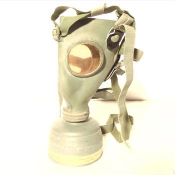 gasmasker in metalenbus - L.702 - burgerbescherming