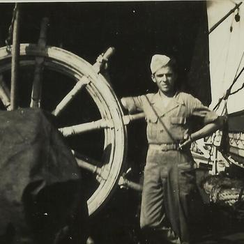 Nederlands Indië; militair, roerwiel, schip, reddingsboot