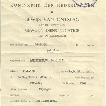 Koninkrijk der Nederlanden, bewijs van ontslag uit dienst als gewoon dienstplichtige van de Landmacht op 16 augustus 1950 uitgereikt aan B.H.J. Lindeboom