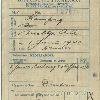 Distributiestamkaart ( tevens bewijs van opneming in het bevolkingsregister)  van :  Kamping, Neeltje, A.A.
