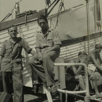 Nederlands Indië; schip, sloep, reddingboot, militair