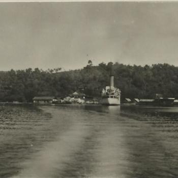 Ned. Indië na WO 2; schip, haven, kielzog