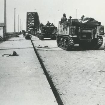 Britse Seston 25 ponder op de Waalbrug, Nijmegen