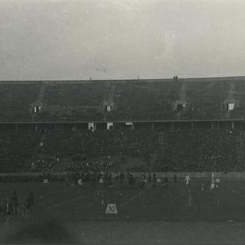 voetbalwedstrijd in Olympisch Stadion in Berlijn