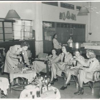 Diner Vrouwenkorps KNIL, 1950