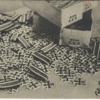 "Foto IJzeren Kruizen II kl./foto grafveld"" (G.16) 1942"