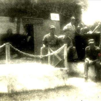 Indië na WO 2, Sumatra; militair, kermis, doolhof