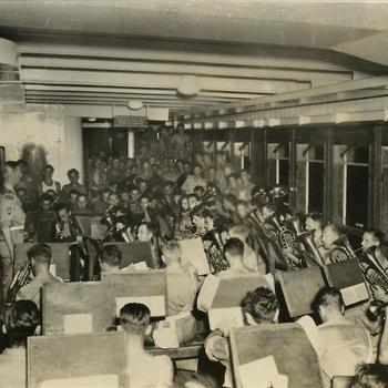 Indië na WO 2: schip, muziekkorps