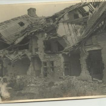 ruïne klooster, Hoge Horst, Groesbeek, april 1945