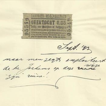 """Overtochtskaartje van """"Landgoed Reigersbergen"""". Tekst: """"Sept '43. Naar men zegt exploiteerd de hr. Jochems op deze wijze """"zijn"""" ruïne!""""."""