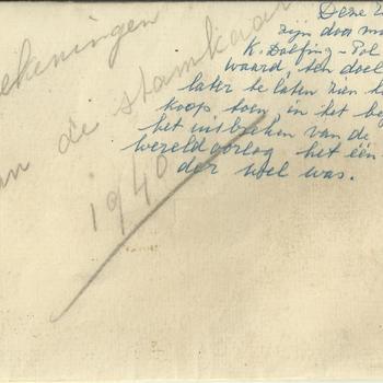 Verschillende enveloppen en enkele handgeschreven notities van de familie Dolfing uit de oorlogstijd