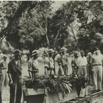 Ned. Indië na WO 2; Indië, militaire begrafenis