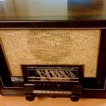 Philips radio type 680A