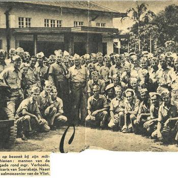 militair, groep, bisschop, jeep, gebouw, aalmoezenier, Soerabaja