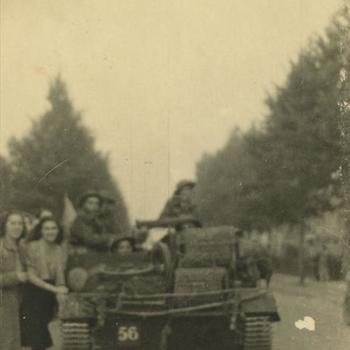Nederlands Bevrijding; Bren Carrier, 'de eerste tanks'