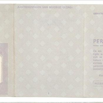 Vals Persoonsbewijs op naam van Frederik van Schoonhoven (met foto Hendriks Josephus Brouwers)
