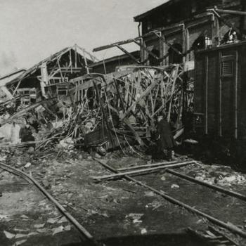 Nijmegen, 22 februari 1944; ruïne stationsgebouw