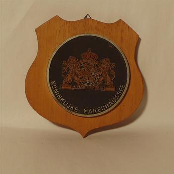 wapenschild 'Koninklijke Marechaussee'