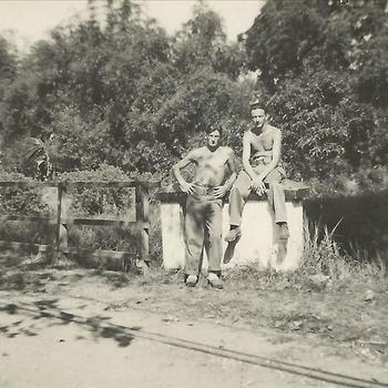 Indië; brug, patrouille