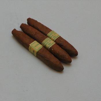 doosje met drie sigaren