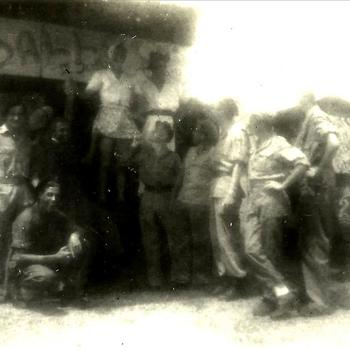 Indië na WO 2, Sumatra; militair, kermis, tent
