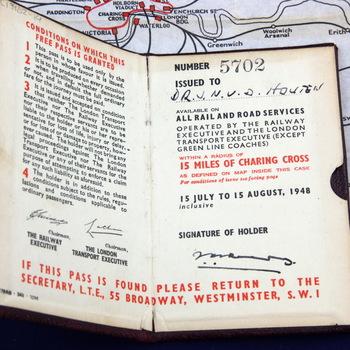 Vrij reizen 'Travel Pass' NOC-lid J.N. van Houten van de Olympische Zomerspelen 1948 Londen