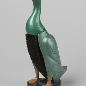 Kledingborstel in de vorm van een eend, Engeland, circa 1950