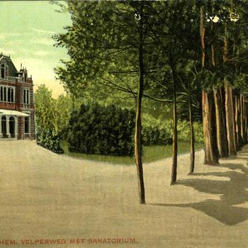 Arnhem - Velperweg met Sanatorium.