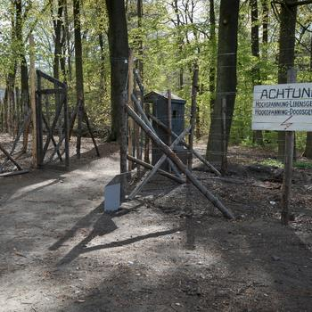 Nagebouwde grenspost uit de Eerste Wereldoorlog op het terrein van het Openluchtmuseum, 2015