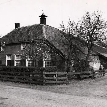 Boerderij annex bakkerij, Staphorst, 1944