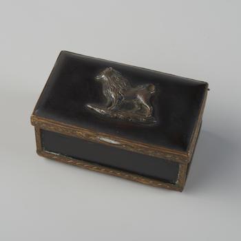 Snuifdoos met keeshond, 1775–1800
