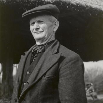 Man in streekdracht uit Hengelo, circa 1940