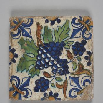 Wandtegel met ornamentdecor met druiven, 1620–1650