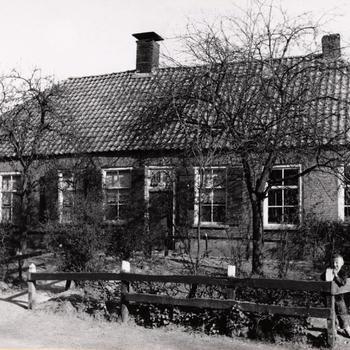 Boerderij annex bakkerij en herberg, Staphorst, 1944