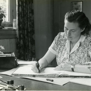 Medewerker afdeling administratie, Nederlands Openluchtmuseum, 1949