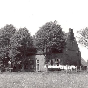 Boerderij 'Het Hoge Huis', Elst, 1947