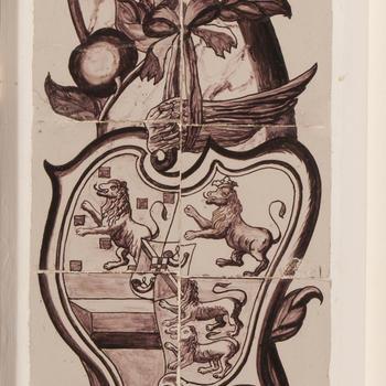 Tegeltableau met een pilaardecor en een portret van Willem V, 1767
