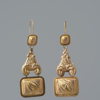 Paar gouden mutsenbellen, Eibergen, 1854–1896
