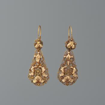 Paar gouden mutsenbellen, Overijssel, circa 1865