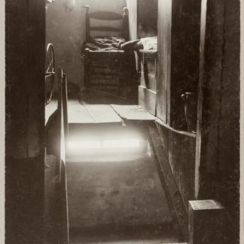 Bedstede boven de kelder in een huis te Laude, 1914