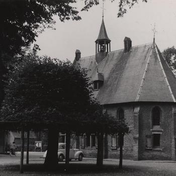 Kapel met lindeboom, Eersel, 1951