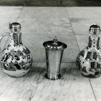 Avondmaalskannen en avondmaalsbeker, Warffum, 1944